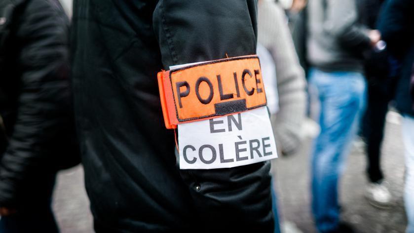 Des centaines de policiers manifestent de nouveau dans plusieurs villes de France