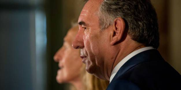 Bayrou reconnaît que le MoDem a « recasé » des salariés à Bruxelles