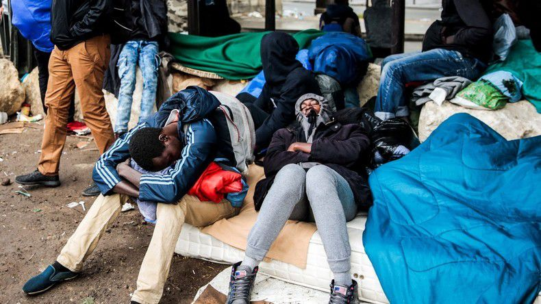 Migrants : opération d'évacuation de campements dans le nord de Paris (PHOTOS, VIDEOS)