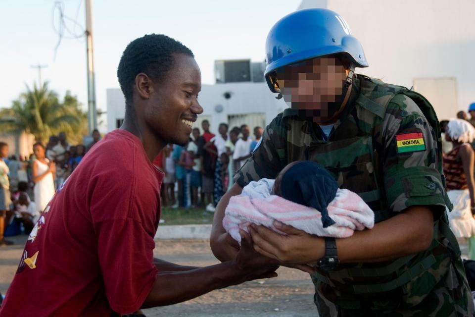 Dossier explosif sur l'ONU: Les travailleurs humanitaires auraient violé 60 000 personnes et compteraient 3 300 pédophiles