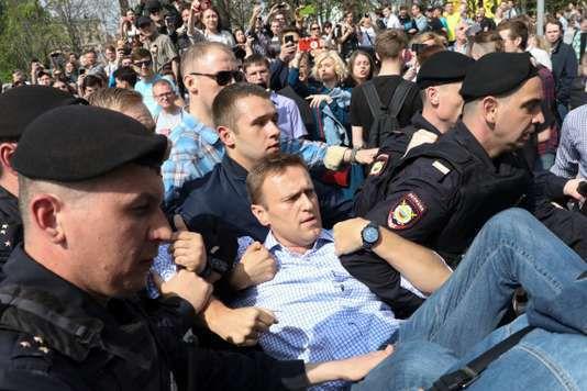 Russie : plus de 1 600 opposants arrêtés lors de manifestations contre le « tsar Poutine »