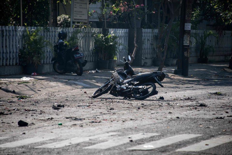 MAJ - Indonésie : 9 morts, 40 blessés dans des attaques contre des églises