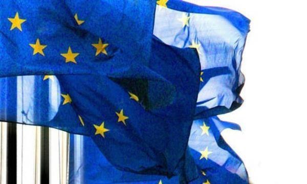 Star du poker, avocat ou consultant : comment les députés européens arrondissent leurs fins de mois