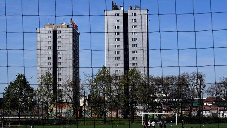 Deux immeubles de logements sociaux nommés «Boute-en-train» photographiés le 17 avril 2018, à Saint-Ouen, dans la banlieue nord de Paris (illustration).