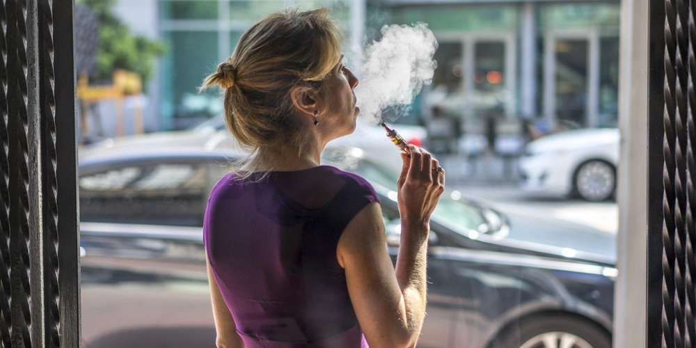Cigarette électronique : la France va lancer un dispositif de surveillance