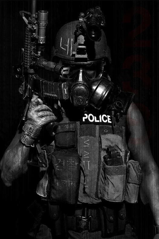 Policiers contre Gilets jaunes, policiers contre pompiers, cheminots contre usagers : la Macronie joue-t-elle les pompiers pyromanes ?