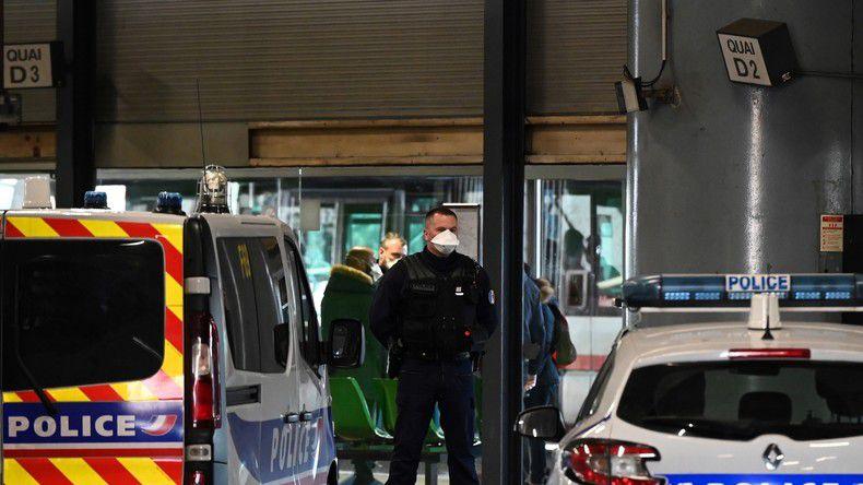 FRANCE -CORONAVIRUS Covid-19 : les syndicats de police sortent «frustrés» d'une réunion à Beauvau