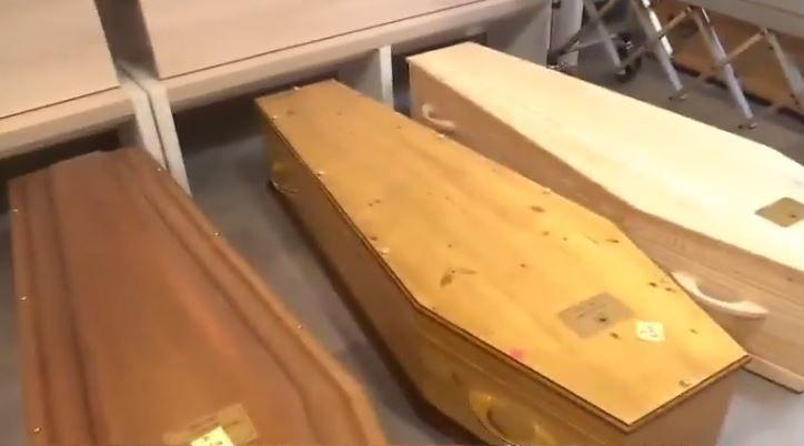 Coronavirus - FRANCE : La préfecture de police de Paris facture 250€ aux familles des défunts dont les cercueils sont entreposés à Rungis et 50€ pour s'y recueillir 1 heure