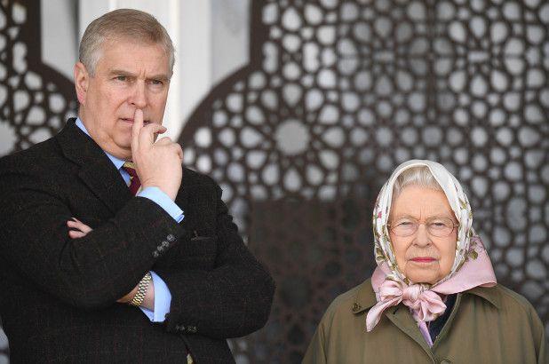 Elizabeth II obligée de payer pour mettre fin aux ennuis du prince Andrew en Suisse + Fin de partie pour le prince Andrew =  affaire de pédophilie dans l'affaire Epstein