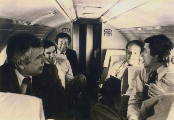 François Fillon et Joël Le Theule (au deuxième plan) lors d'un déplacement officiel dans les années 70