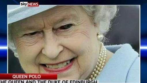 Quand Ghislaine Maxwell et Kevin Spacey s'asseyaient dans le trône d'Elizabeth II