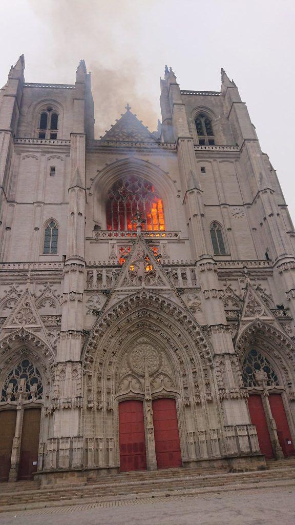 Avec trois départs de feu, il ne fait aucun doute que l'incendie de la cathédrale de Nantes est un acte criminel