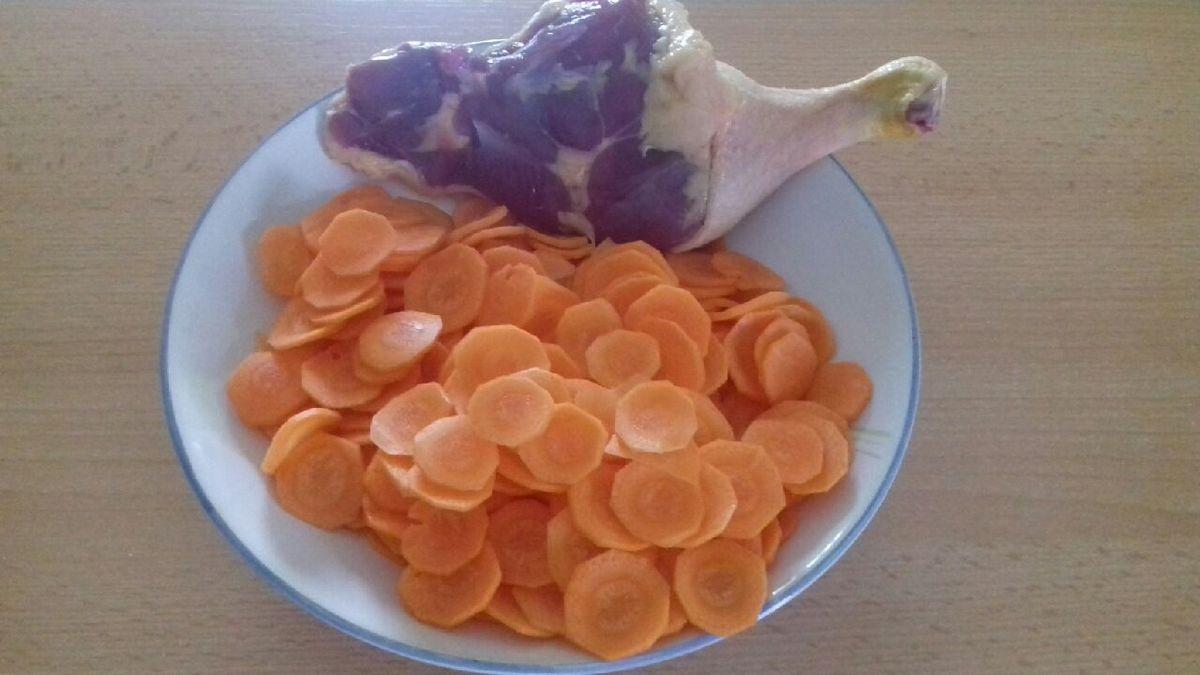 Cuisse de canard et carottes à la crème