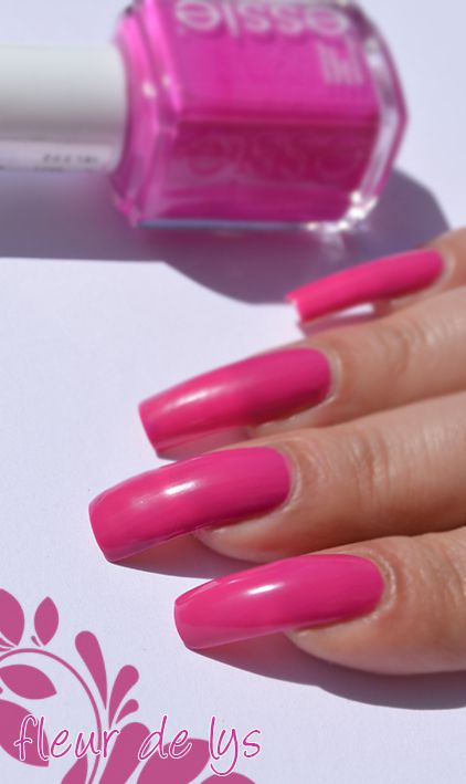vernis ongles rose néon