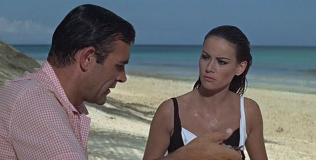 claudine+auger+sean+connery+thunderball