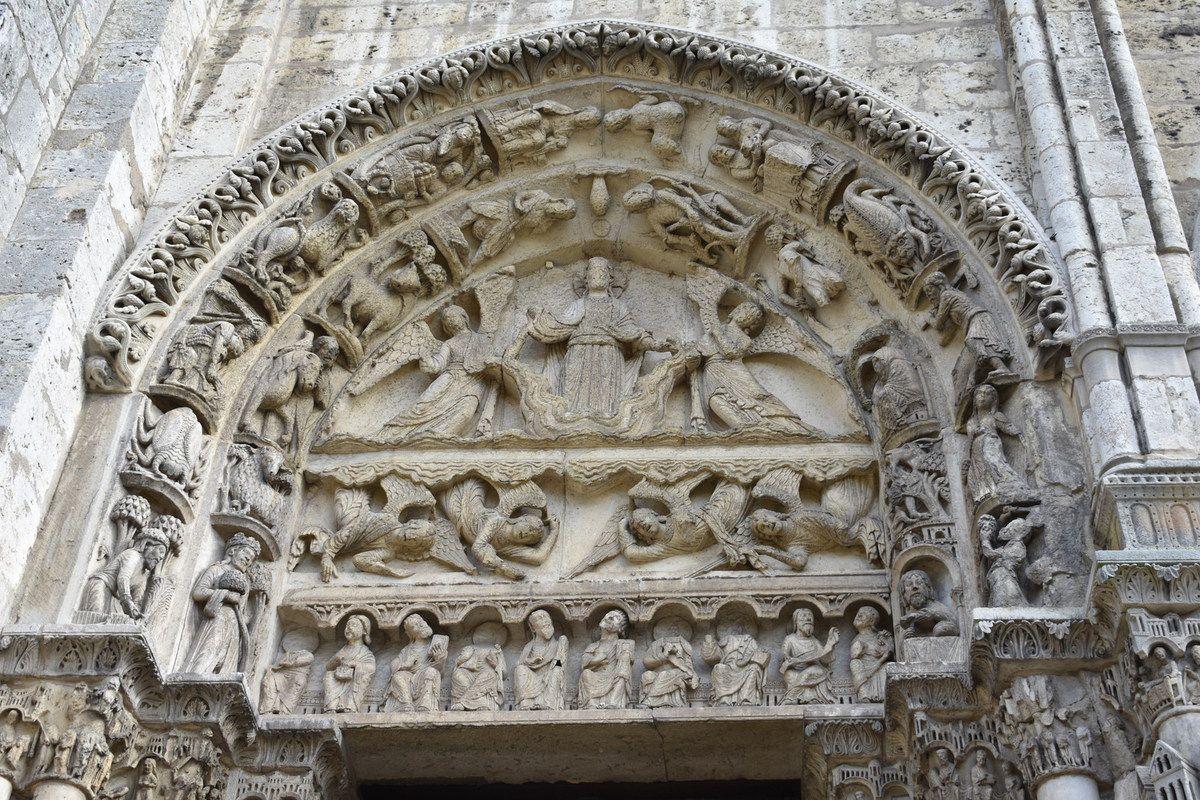 Cathédrale de Chartres, Portail royal, baie de gauche, Ascension du Christ