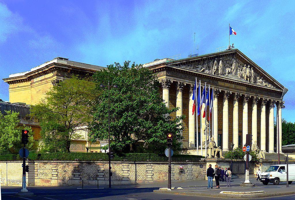 L'Assemblée nationale - Palais Bourbon, Paris, image Mbzt , wikipédia CC.
