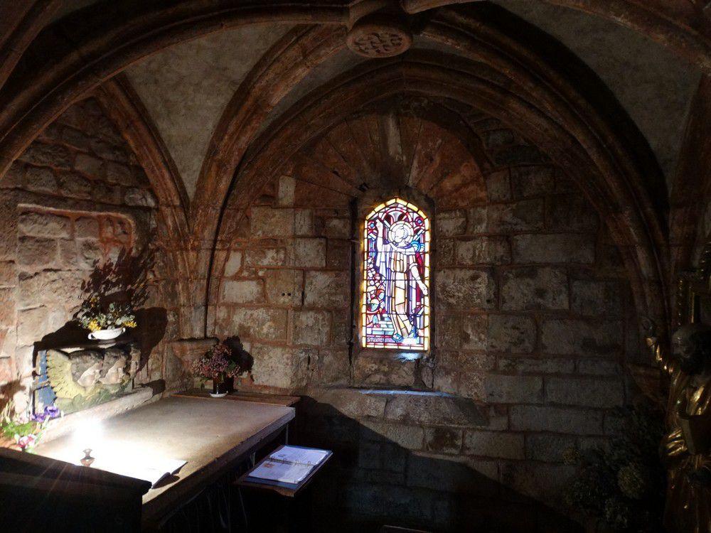 L'église Saint-Pierre à Collonges-la-rouge...