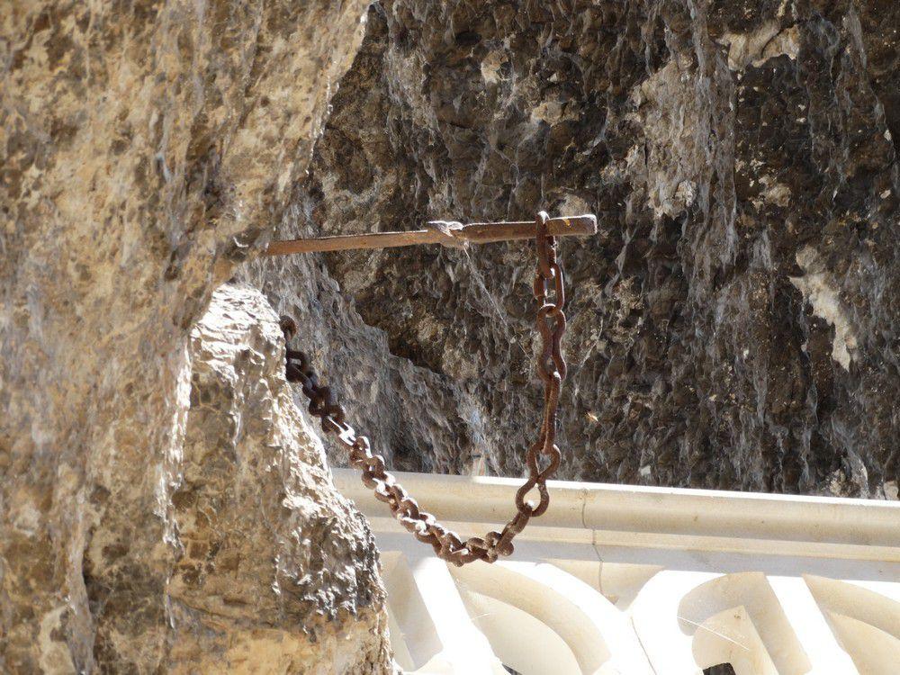Une épée viking de 1 200 ans émerge des glaces en Norvège...