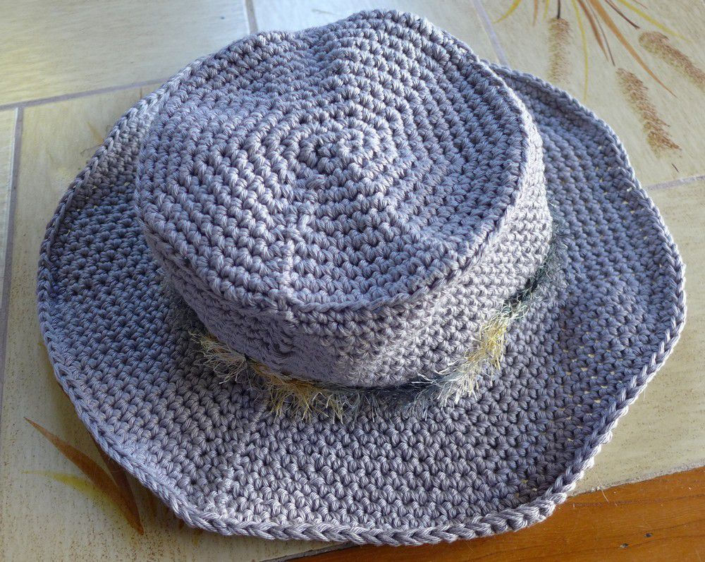 "Un nouveau chapeau au crochet ""Indiana Jones""..."