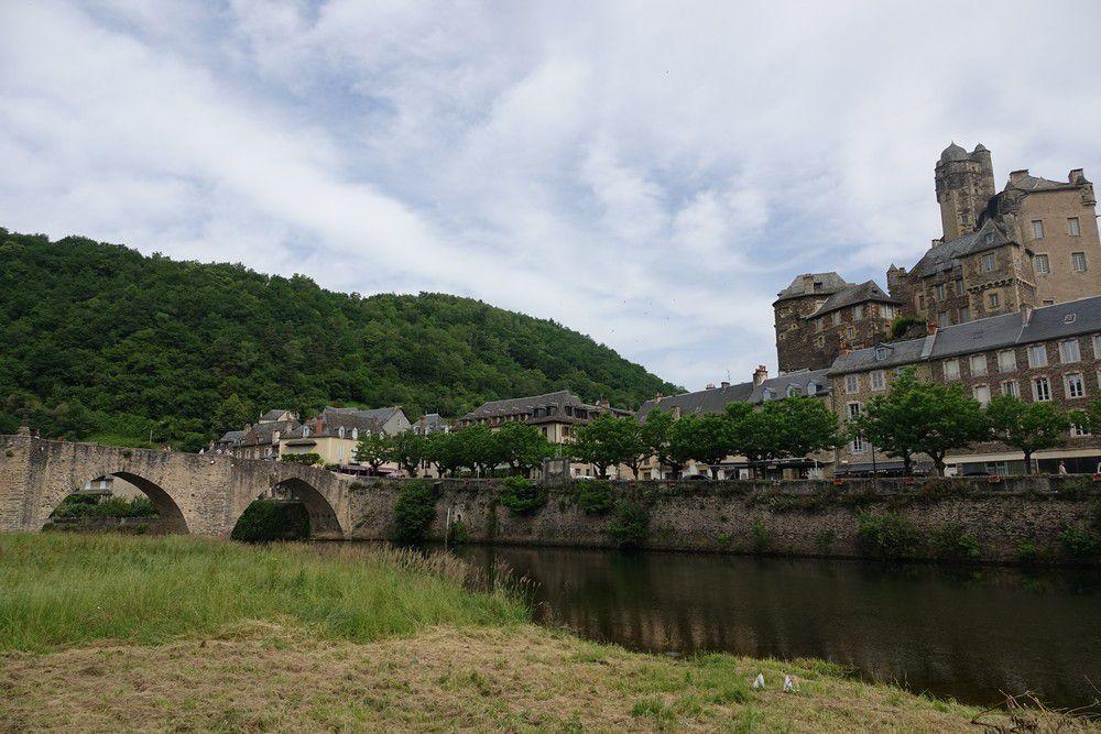 Le château d'Estaing...