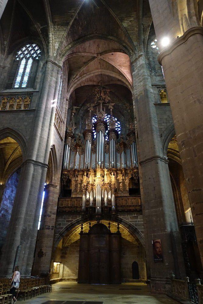 La cathédrale Notre-Dame de l'Assomption de Rodez : l'intérieur...
