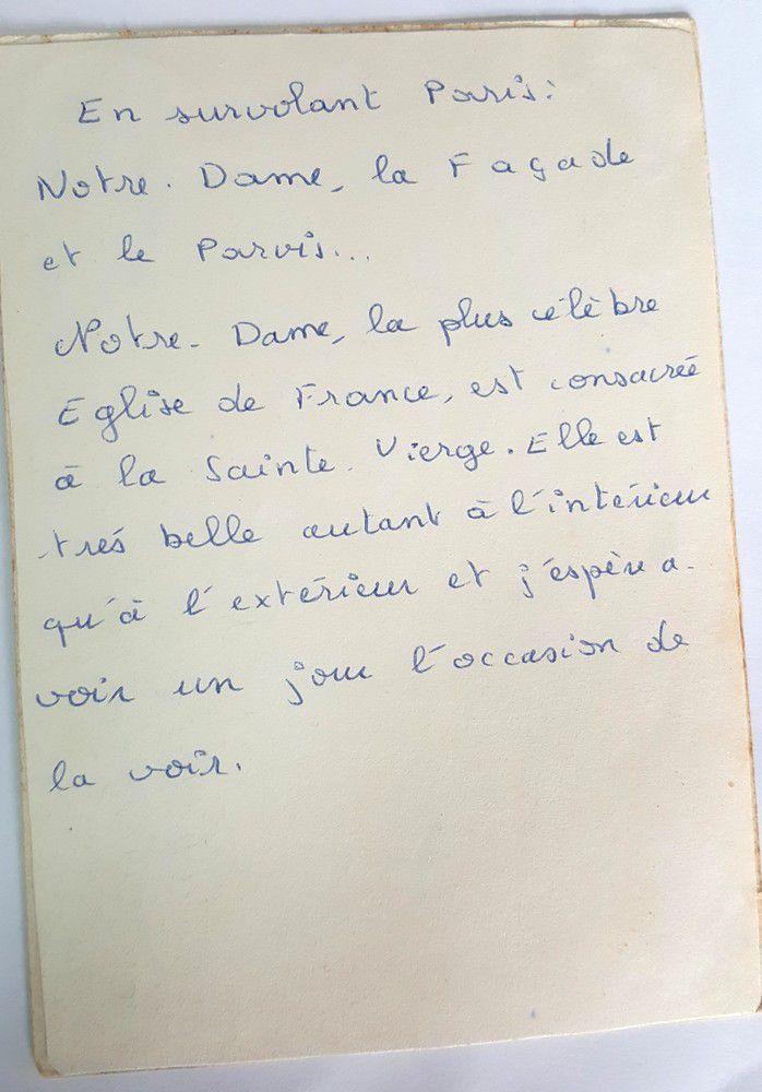 Dans ma boite à souvenirs : une carte postale de Notre-Dame de Paris...