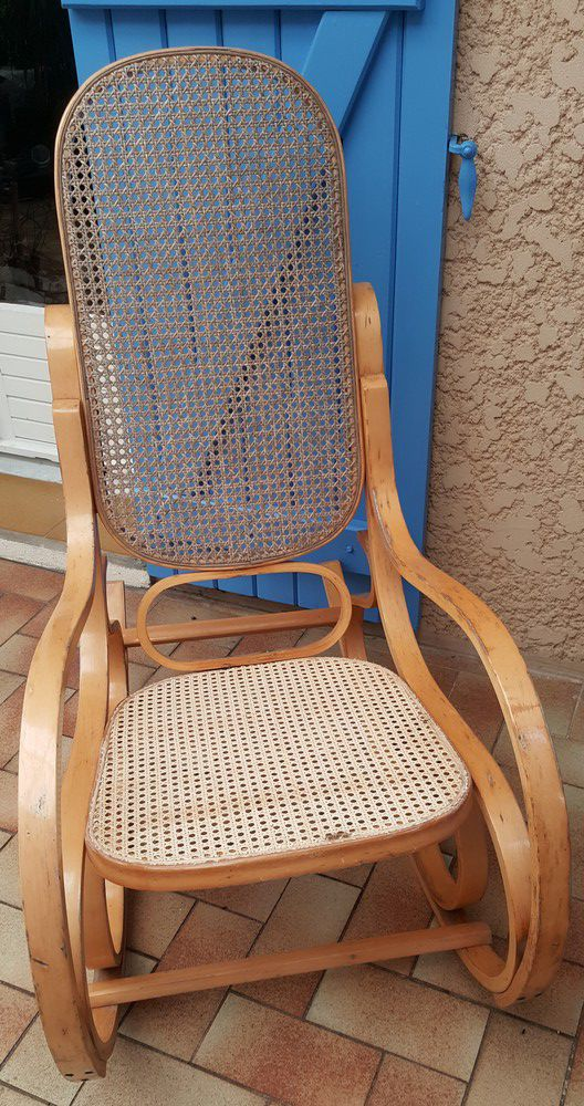 Réparation de mon rocking-chair en rotin...