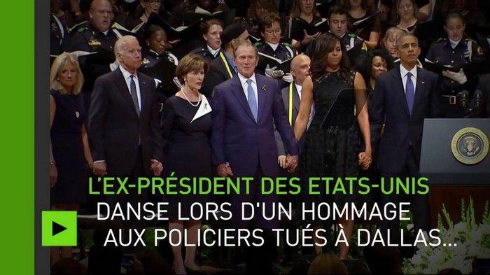 George Bush danse et rigole aux funérailles des policiers tués