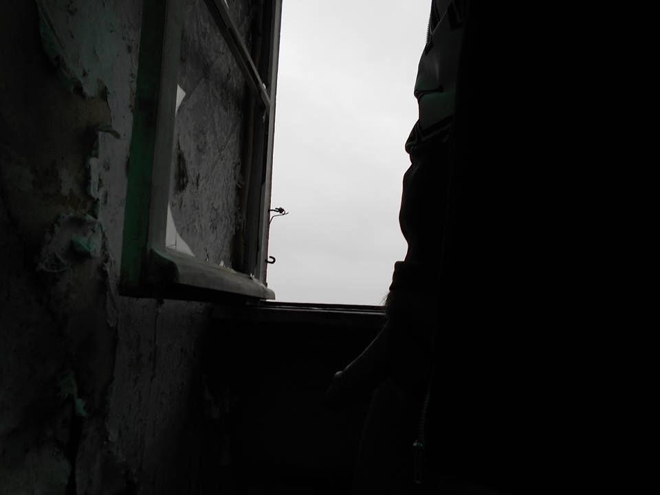 À travers la fenêtre : Un automne au château