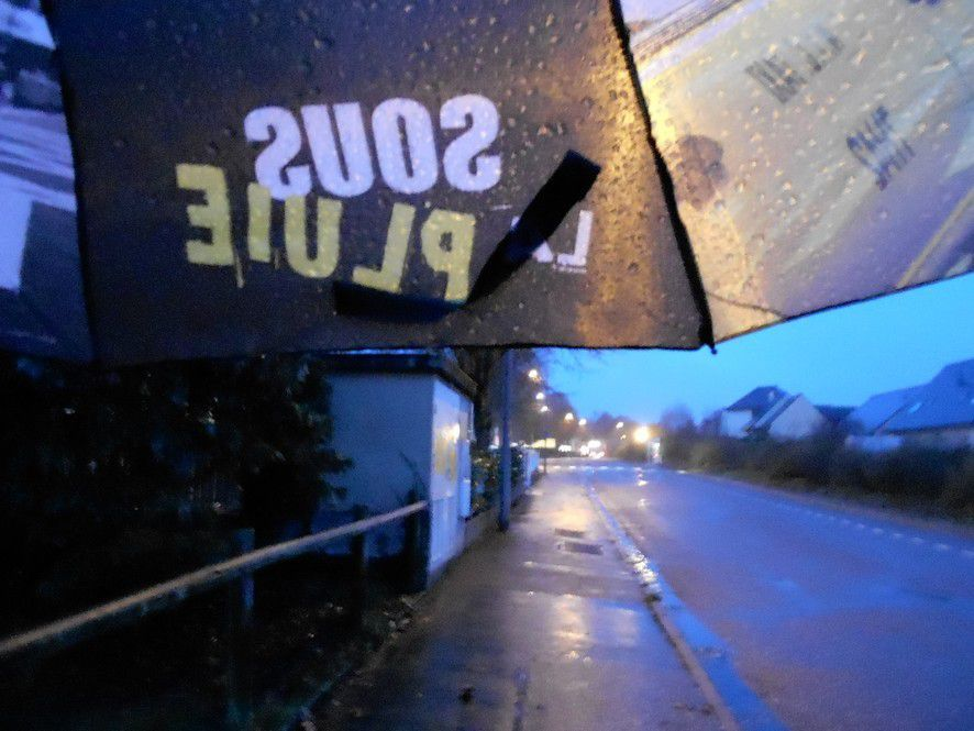 Une marche sous la pluie