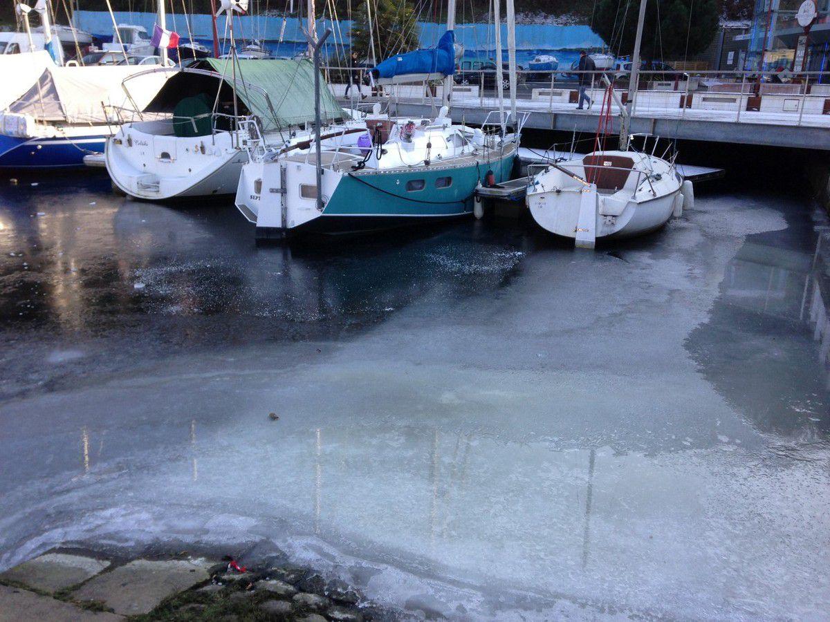 Le port du Légué sous la glace