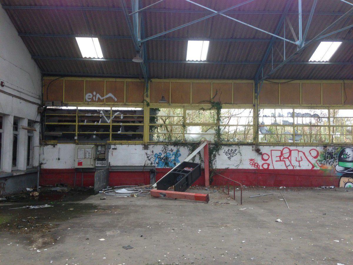 Urbex 22 : Un garage abandonné