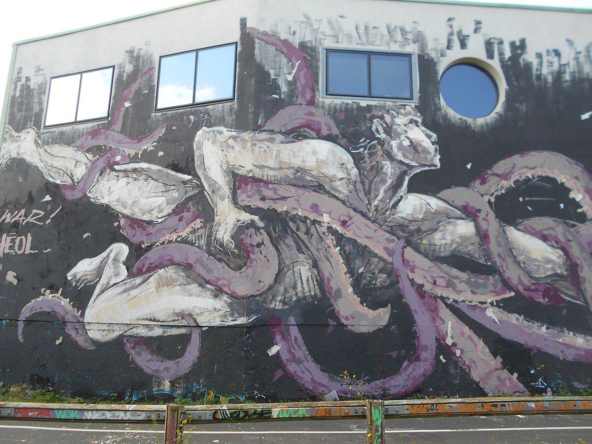 Street Art 22 : Un mur de graffs