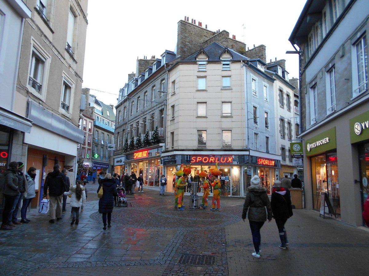 Noëllissime à Saint-Brieuc : Artistes de rue