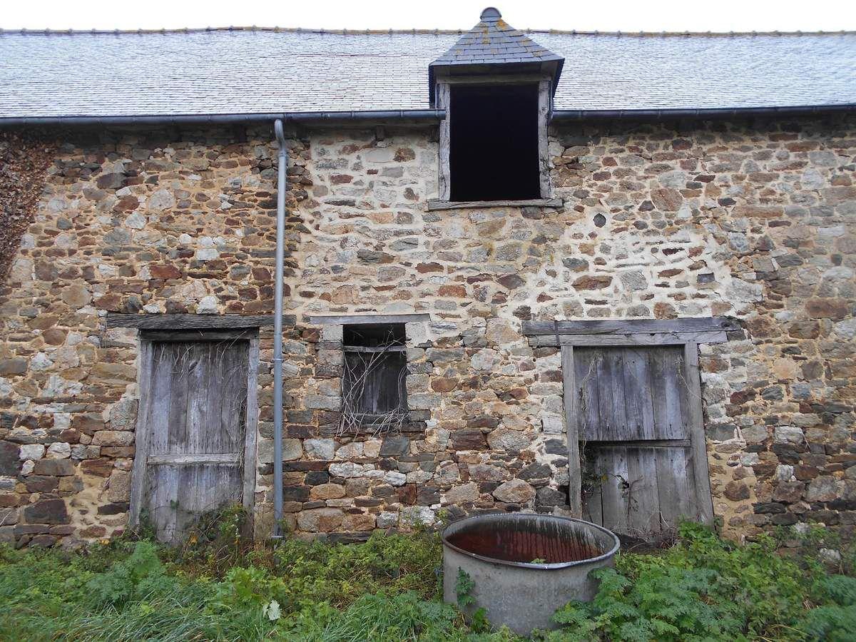 Urbex 22 : La ferme de Jacquou le Croquant