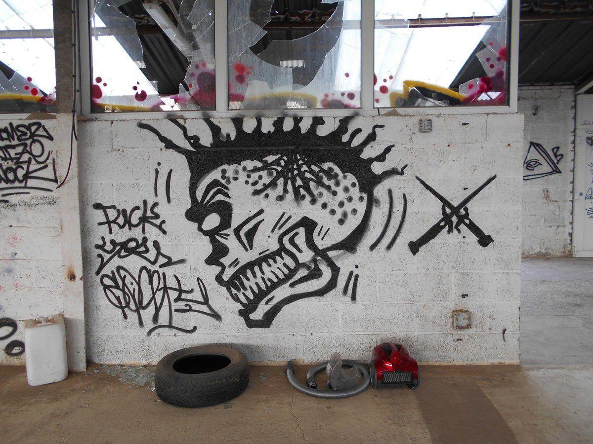 Urbex 22 : Les hangars oubliés