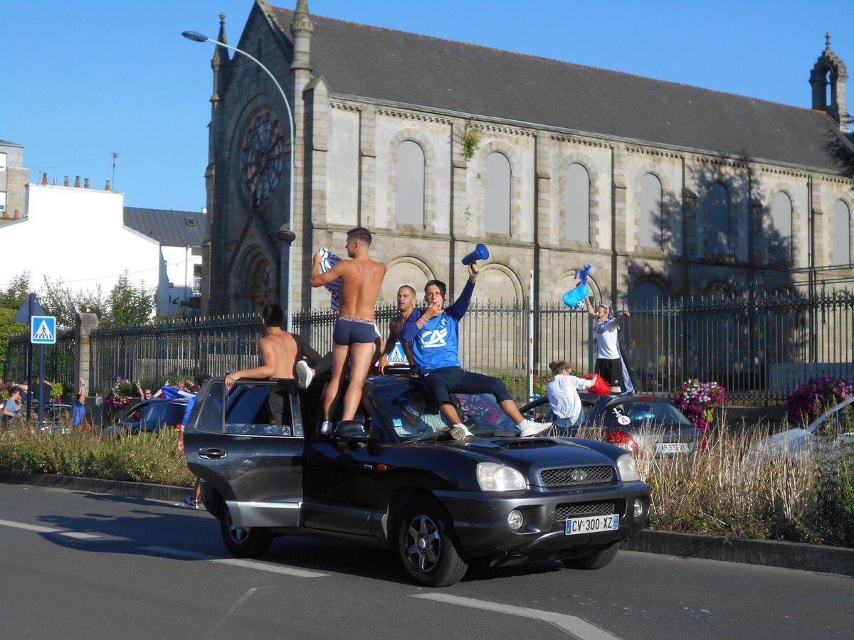 Saint-Brieuc célèbre la victoire des Bleus