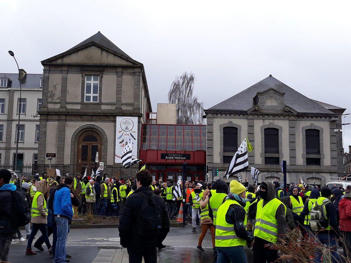 Acte 09 : Manifestation des gilets jaunes à Saint-Brieuc