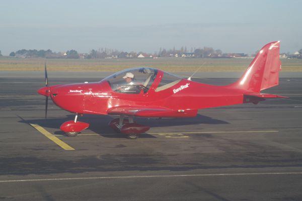 Toujours le Team Eurostar avec cet exemplaire tout de rouge vêtu, non identifié.
