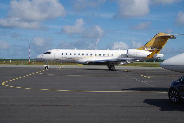 Le Bombardier Global 5000 N885AQ.