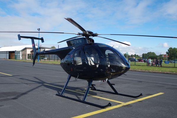 """Le Mc Donnell Douglas MD-500E HB-ZWW en fait le fameux Hughes 500 qui jouait les méchants dans supercopter ou le vaillant partenaire de Magnum. """"Merci Benoît pour la photo!"""""""