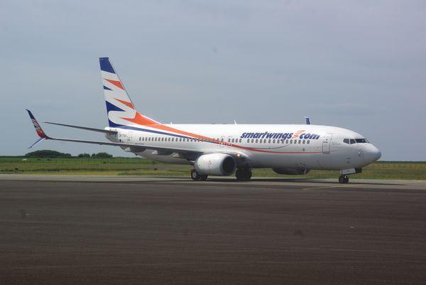 Le Boeing 737-800 OK-TVV de la compagnie Tchec Smartwings. Il a la particularité d'avoir les doubles winglets.