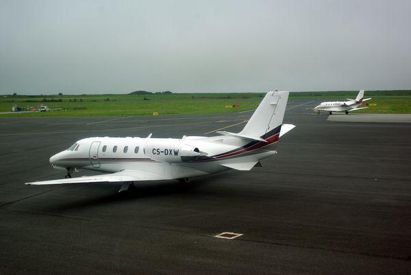 Un duo de Cessna Citation Excel de la compagnie Netjet avec le CS-DXW déjà venu avec l'ancienne déco.