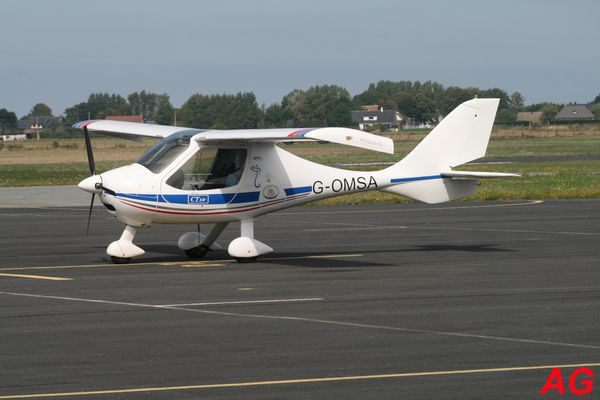 L'ULM Flight Design CTSW G-OMSA.
