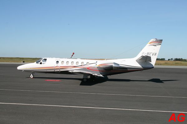 Le Cessna Citation Ultra M-MEWA.