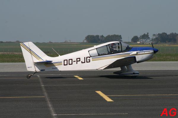 Le Jodel DR-221 Dauphin OO-PJG.