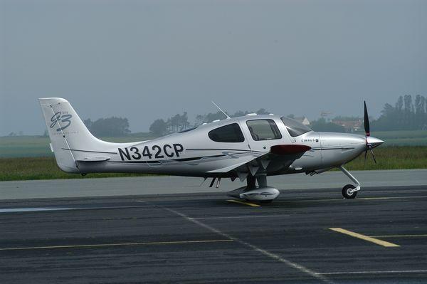 Le Cirrus SR-22 N342CP.