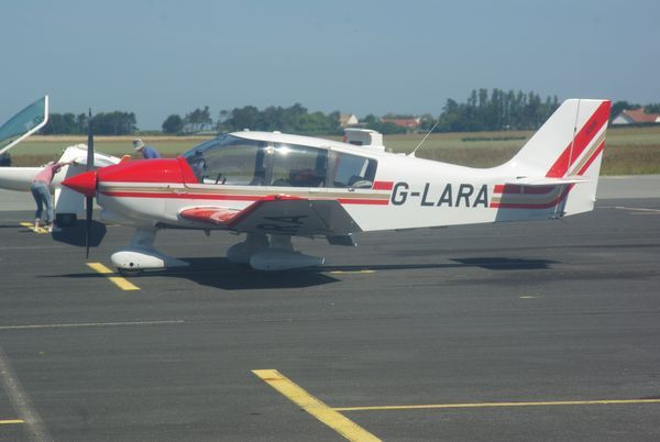 Le Robin DR-400 G-LARA.