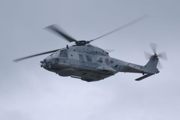Continuons les cocardes françaises avec le NHI NH-90 N°15 de la Marine Nationale.